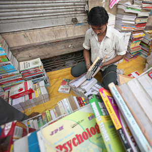 The Fascination and Frustration of India: Five Insightful Books